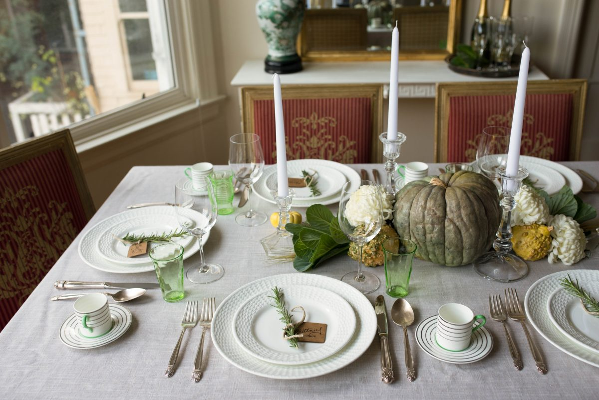 Simple Thanksgiving Table