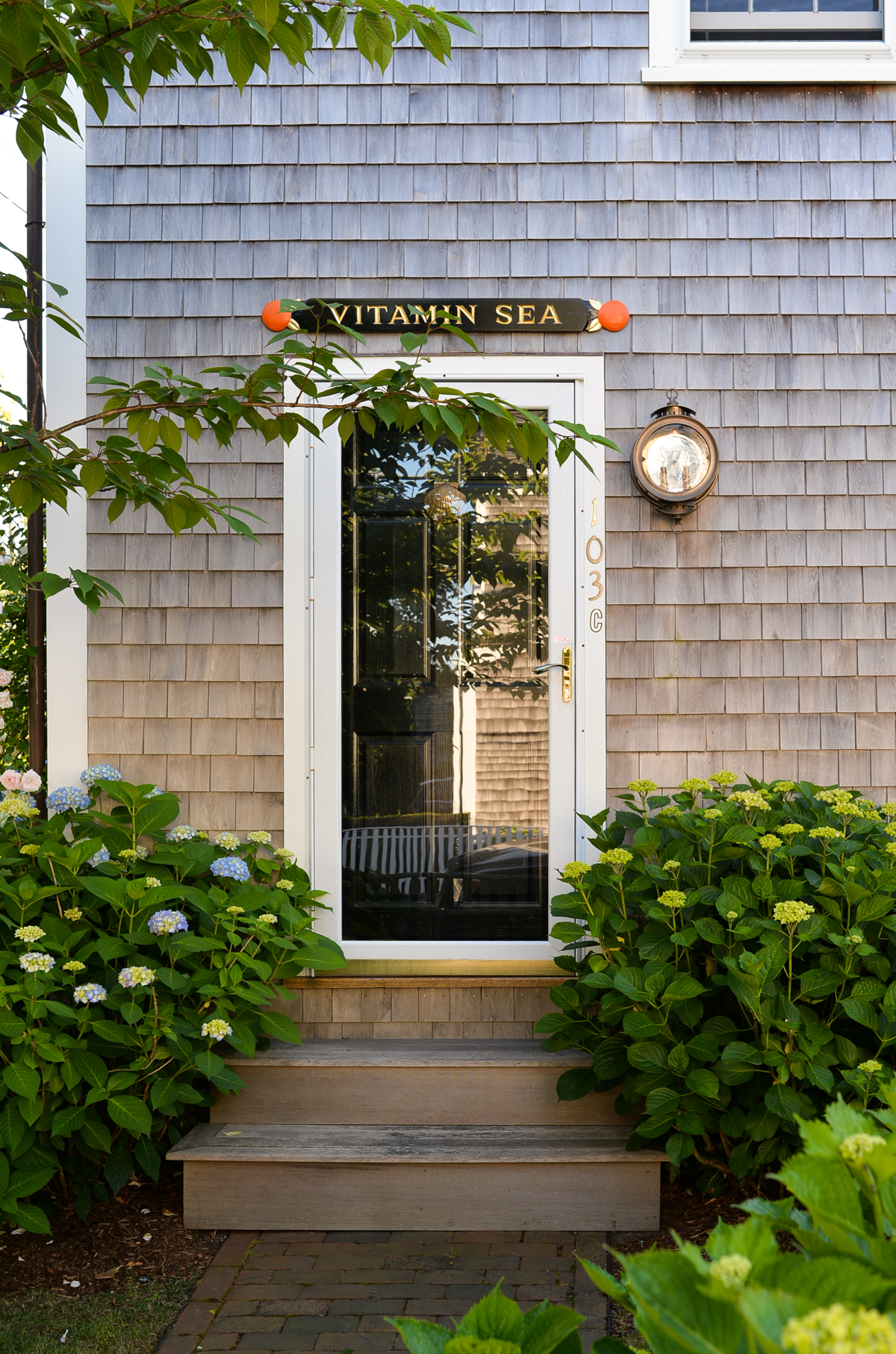 Stacie-Flinner-Nantucket-Door