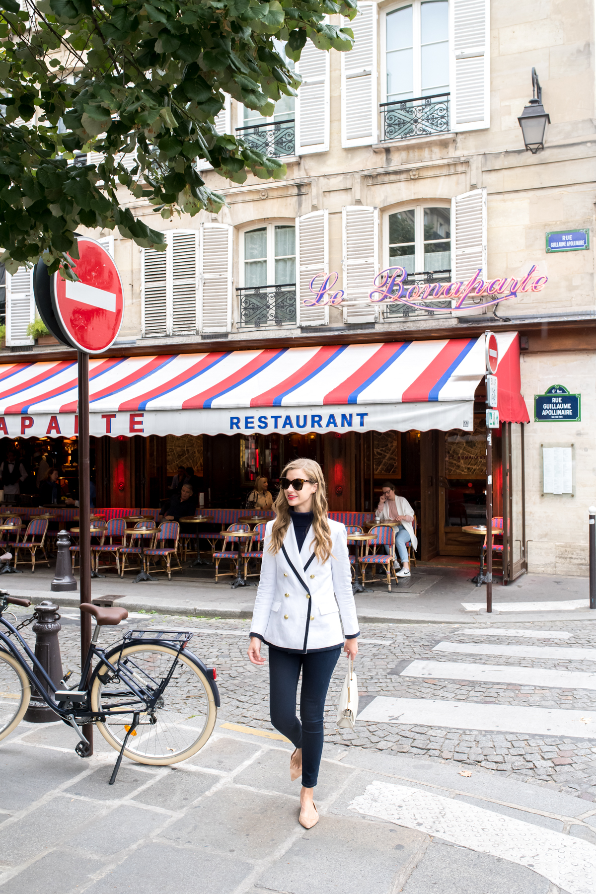 Stacie Flinner Best Paris Cafes-4.jpg