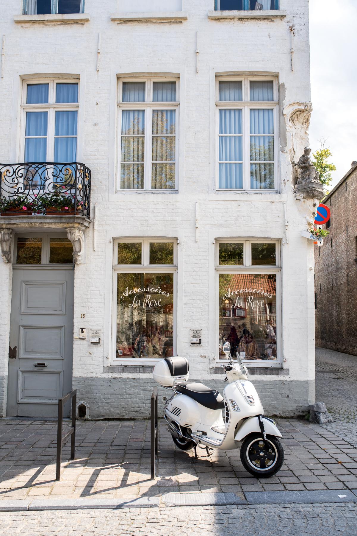 Stacie Flinner Brugge City Guide-18.jpg