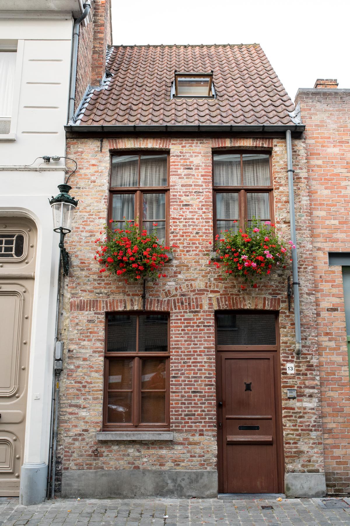 Stacie Flinner Brugge City Guide-35.jpg