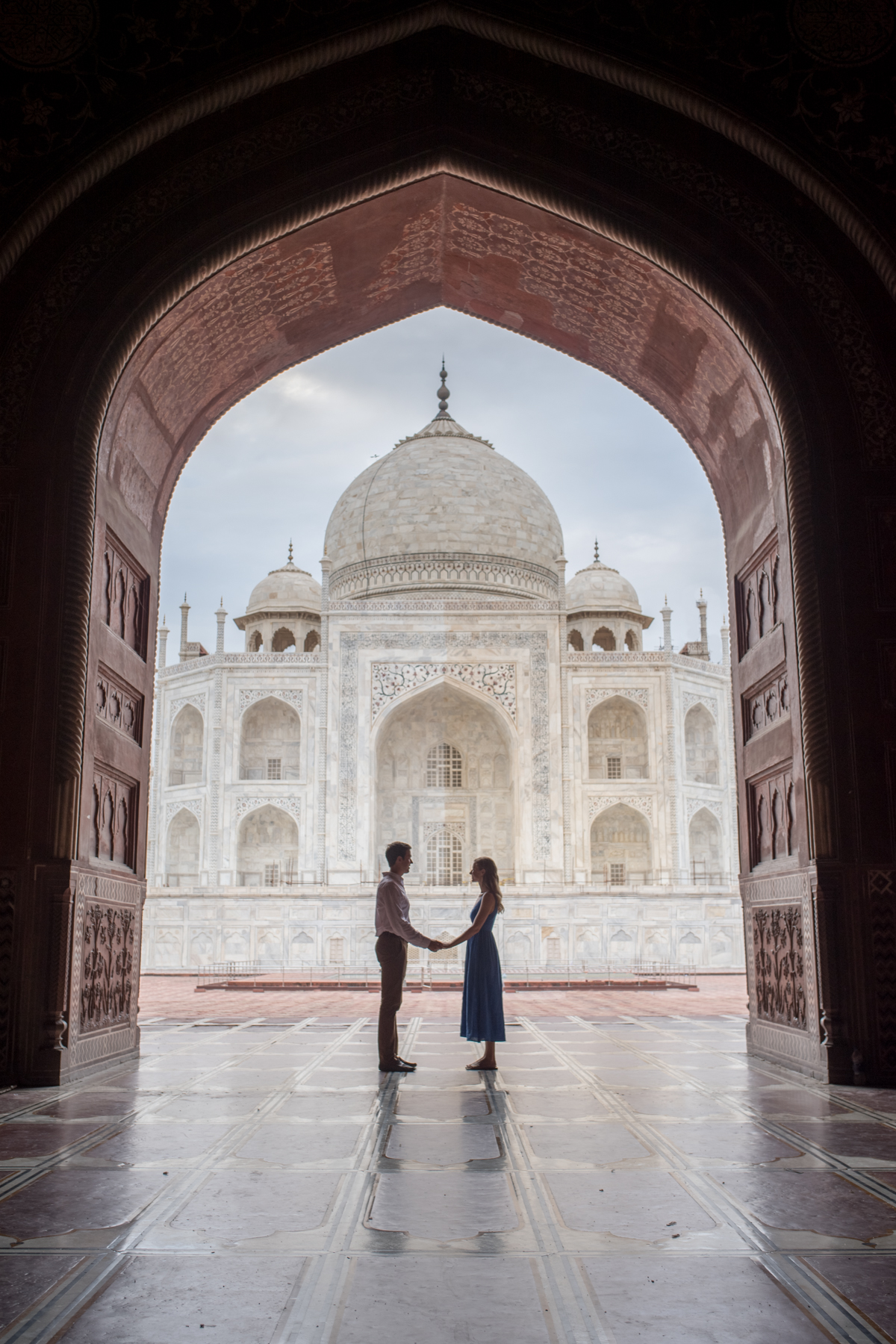 Stacie Flinner Couple Taj Mahal -1