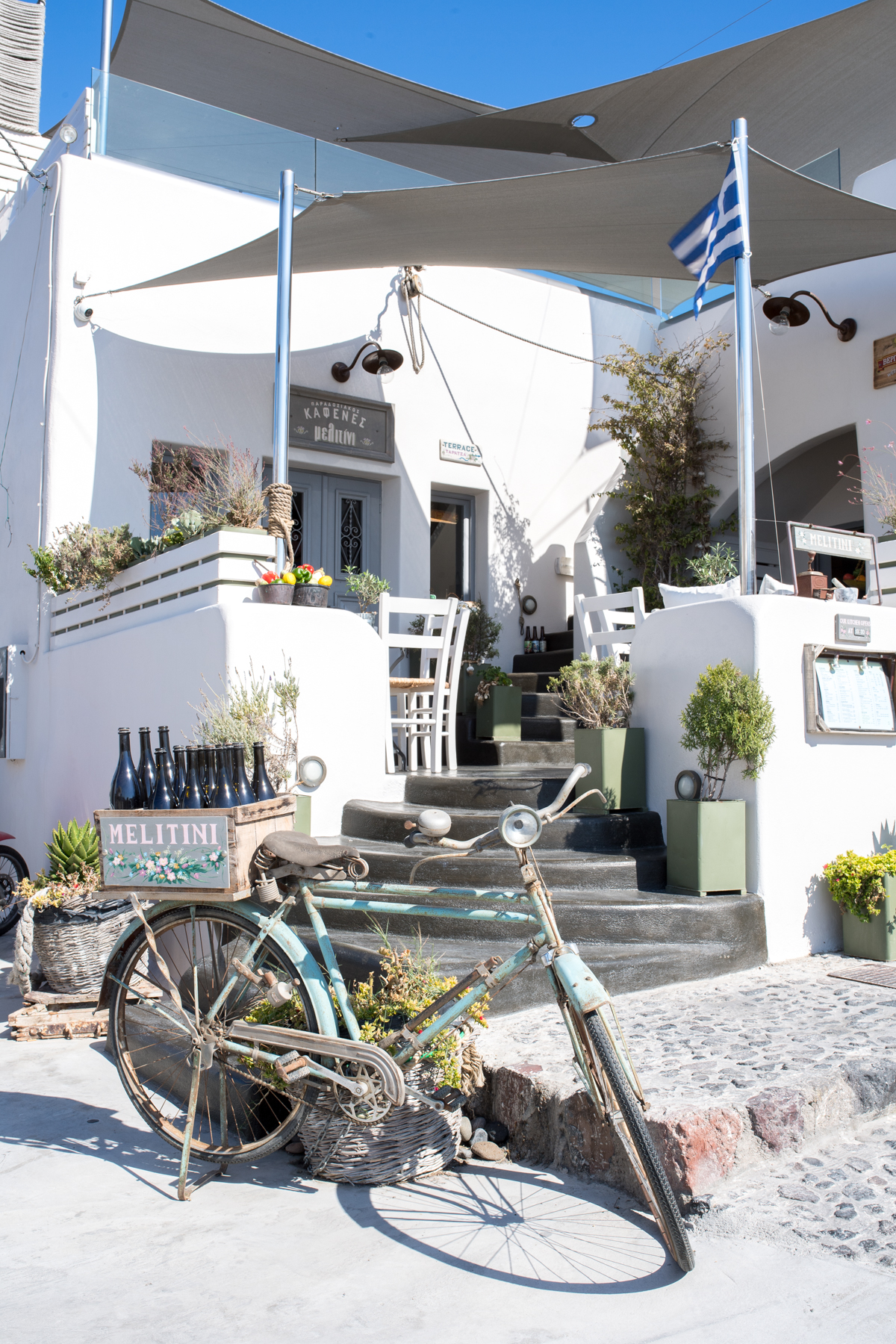 Stacie Flinner Travel Guide Santorini Greece-40.jpg