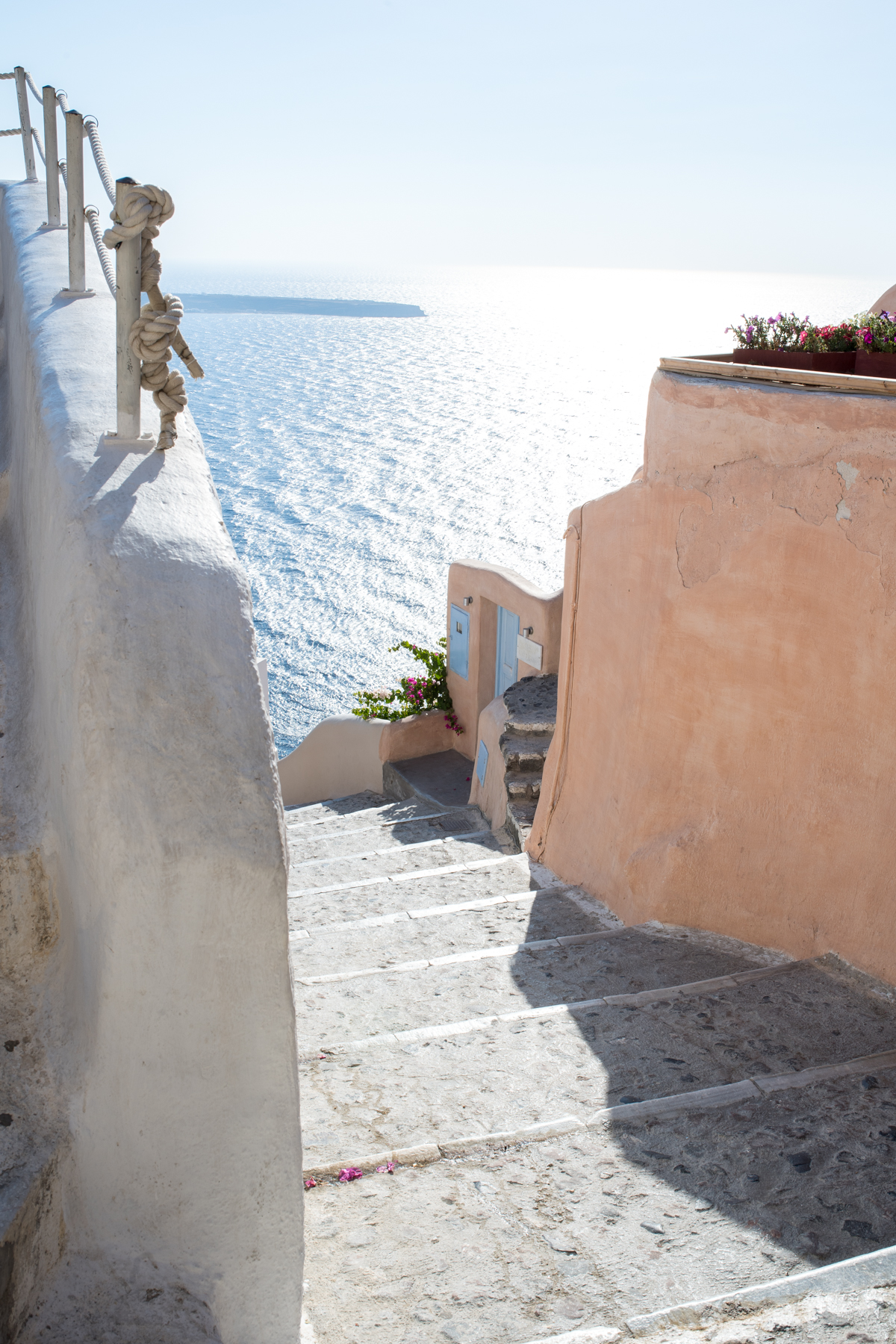 Stacie Flinner Travel Guide Santorini Greece-54.jpg