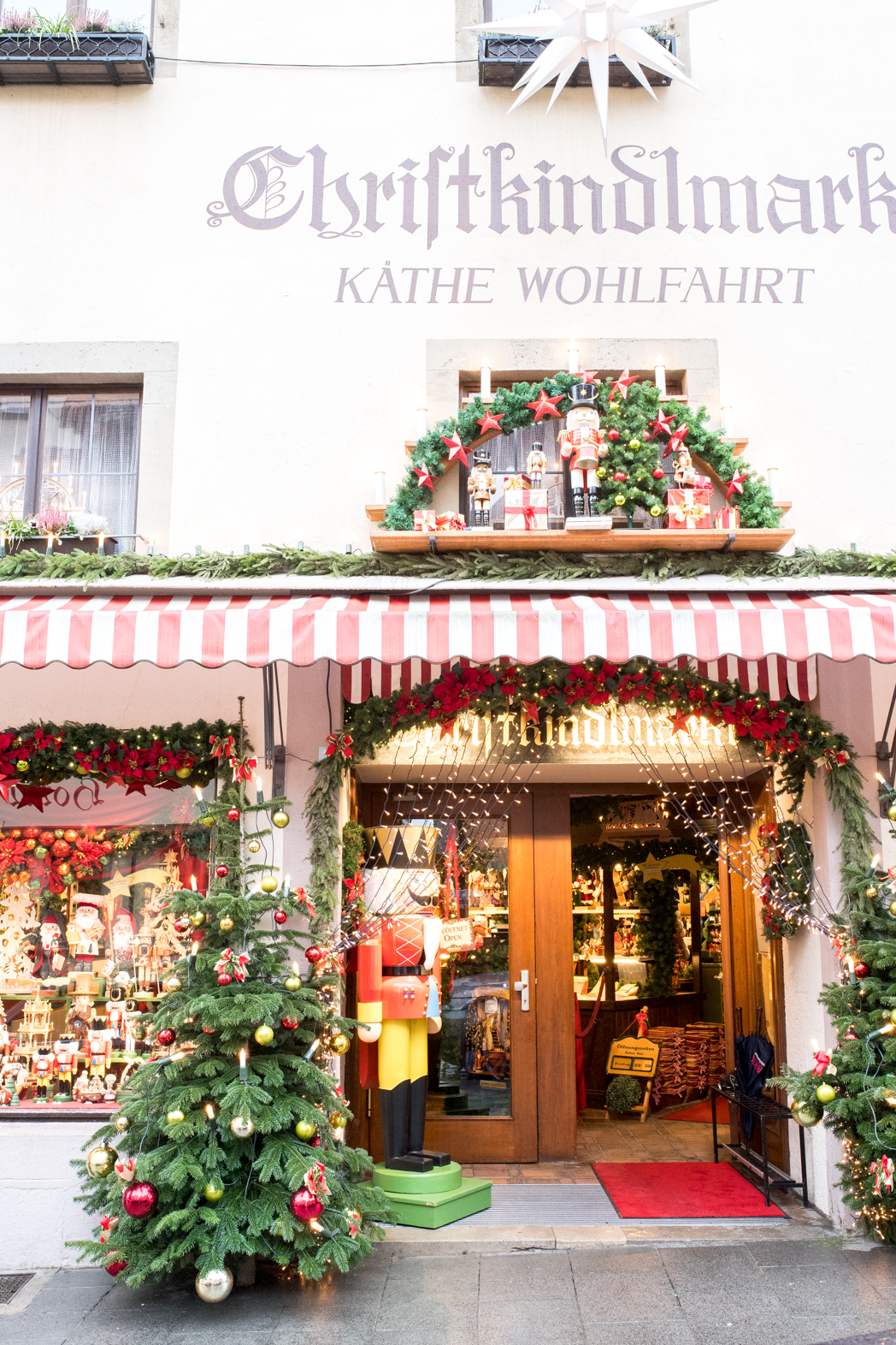 Stacie Flinner Christmas Rothenburg ob der Tauber Germany-17.jpg