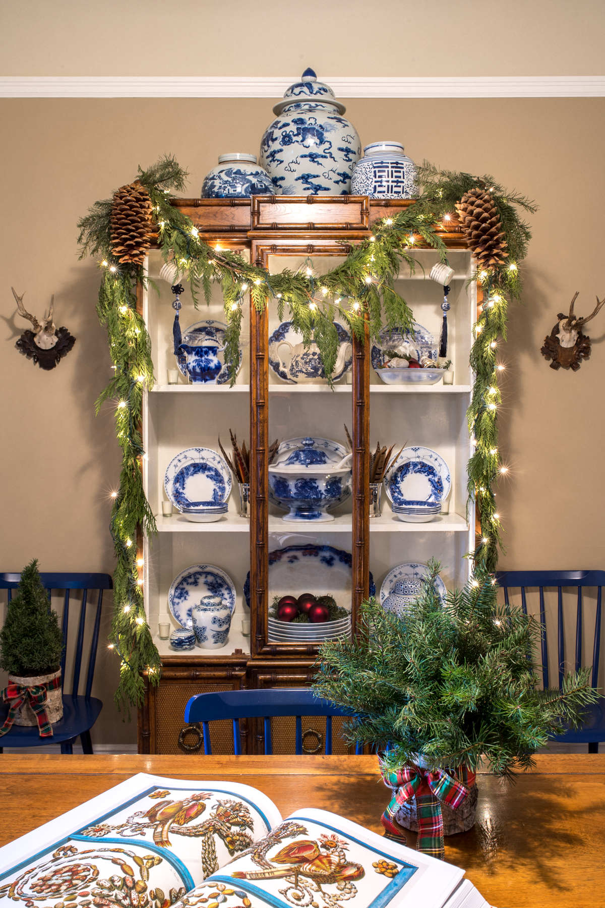 Stacie Flinner Christmas Decor Ideas-1.jpg