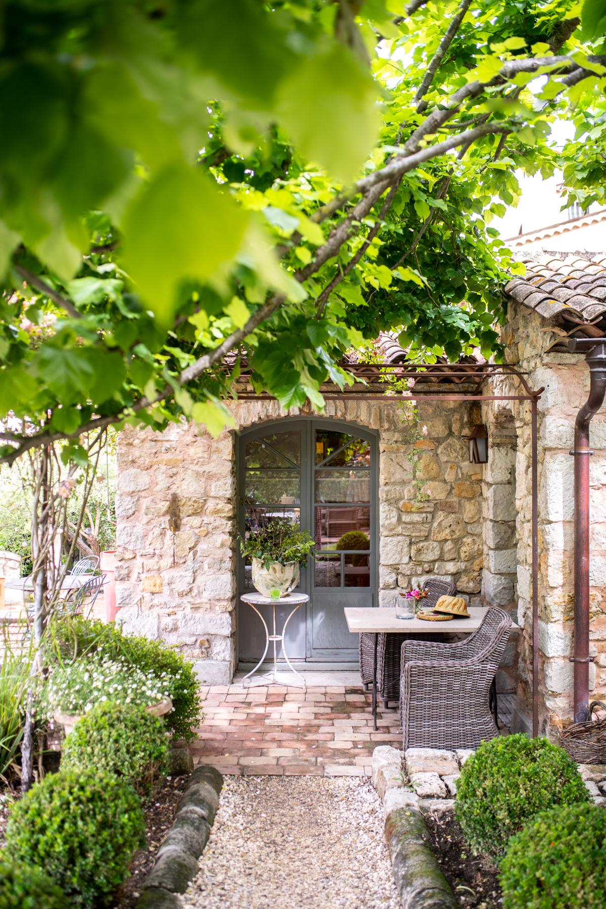 Les Rosees Mougins France x Stacie Flinner-37.jpg