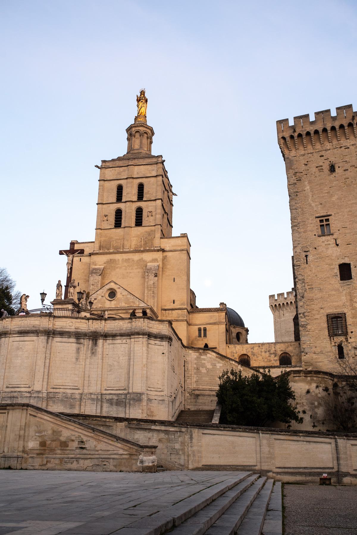 Stacie Flinner Guide to Avignon%2C France-2.jpg