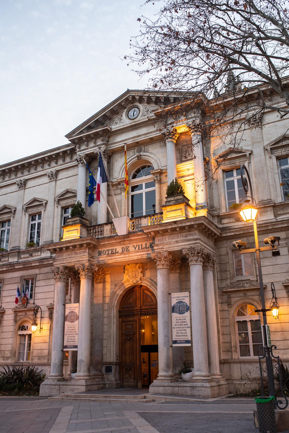 Stacie Flinner Guide to Avignon France-3.jpg