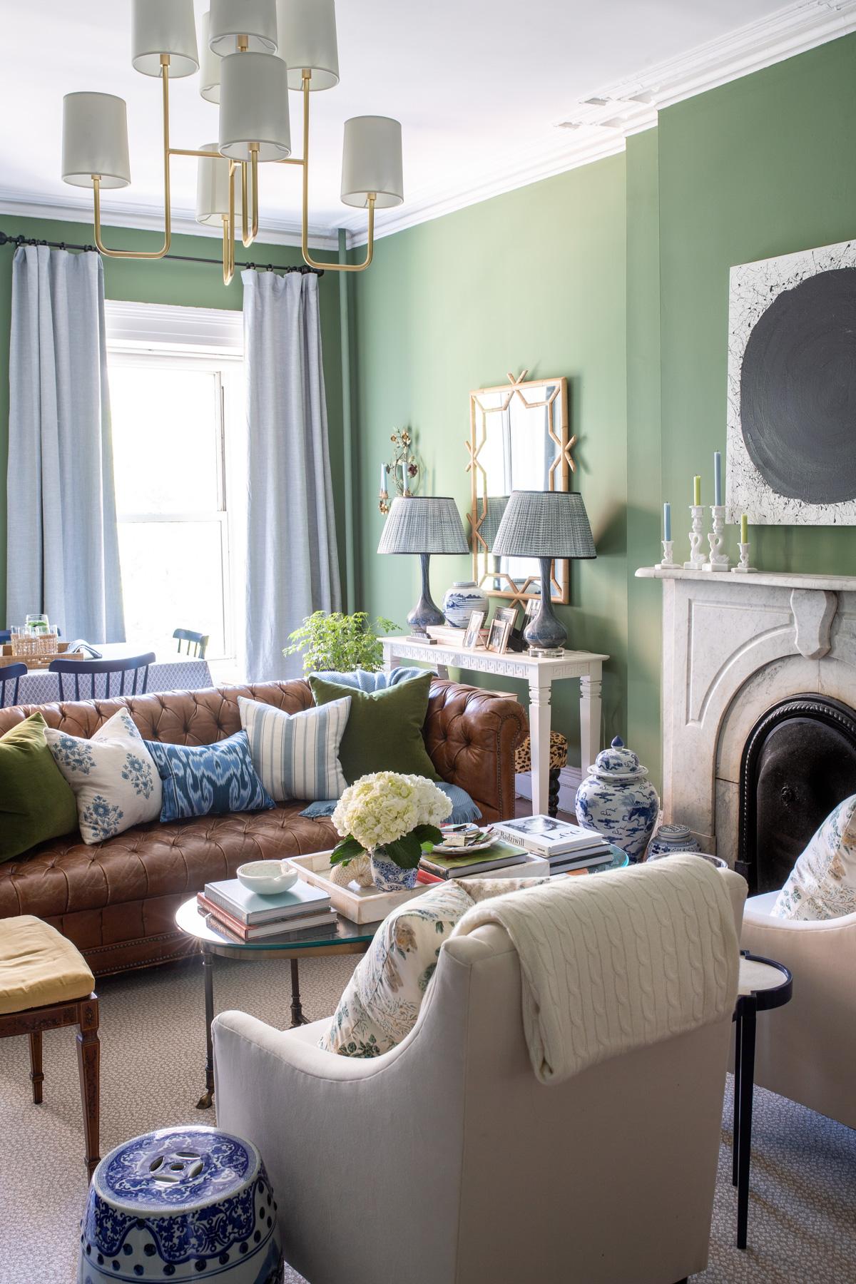 Stacie Flinner x NY Apartment Tour Living Room-101.jpg