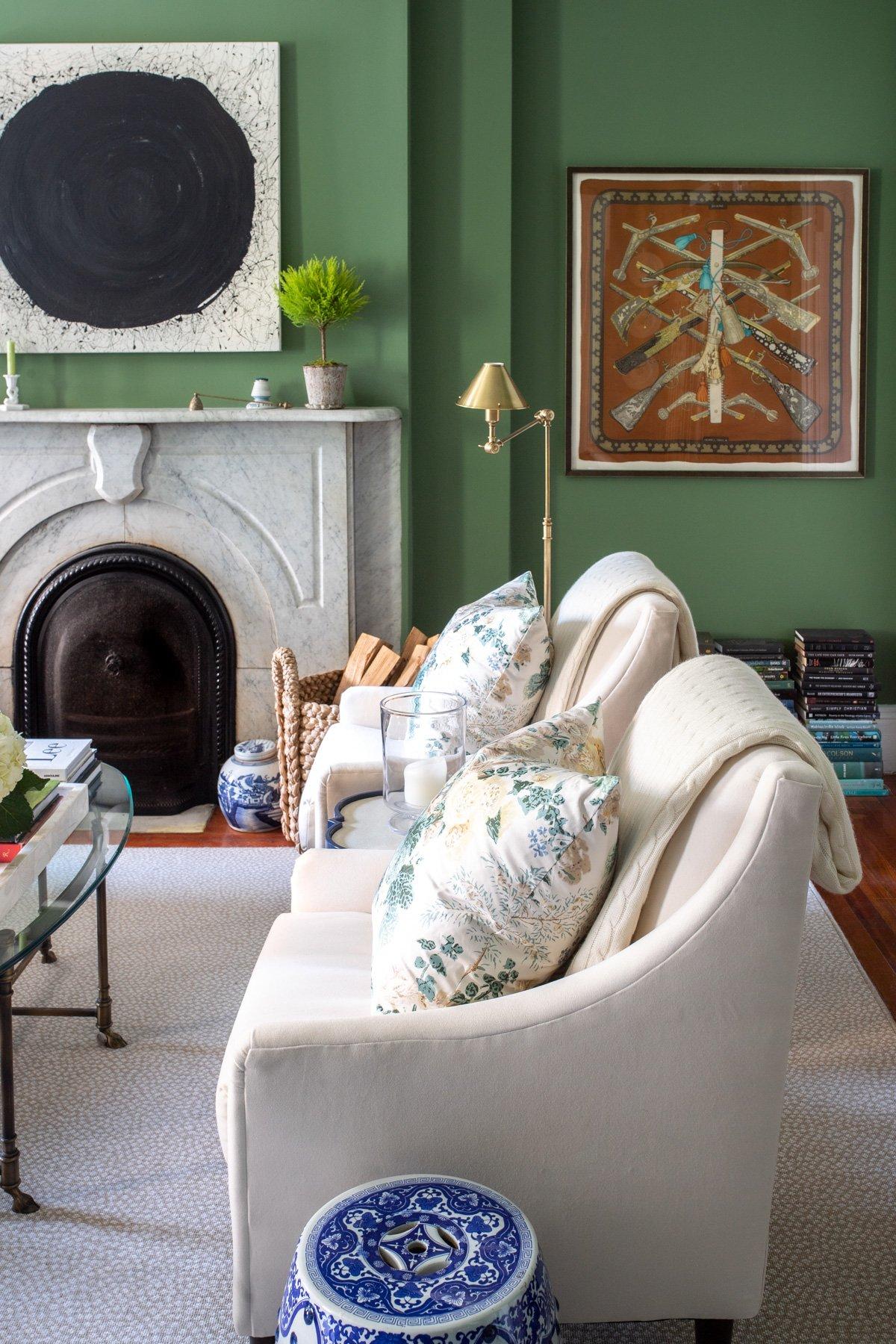 Stacie Flinner x NY Apartment Tour Living Room-11.jpg