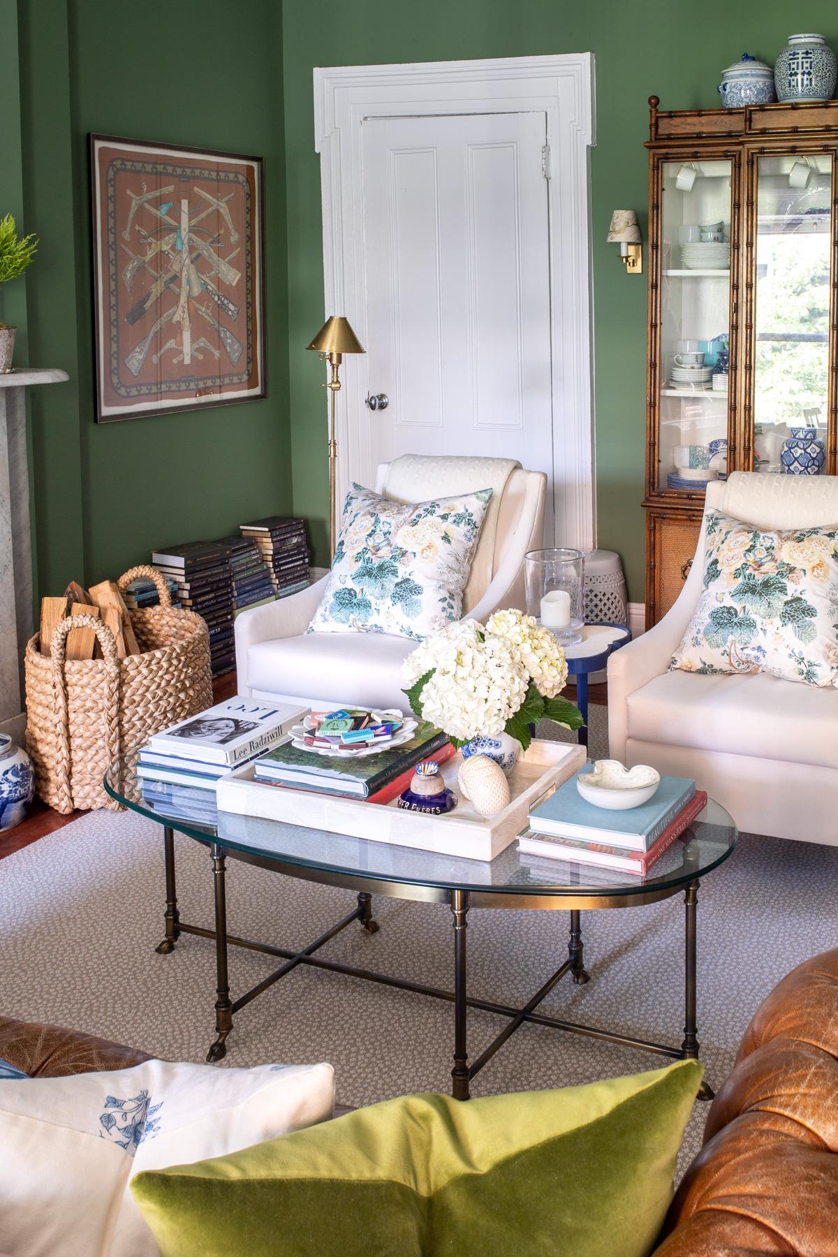 Stacie Flinner x NY Apartment Tour Living Room-15.jpg