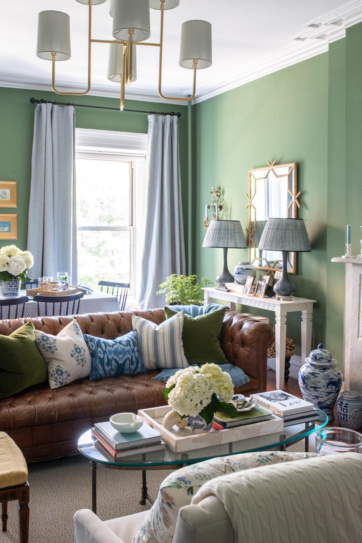Stacie Flinner x NY Apartment Tour Living Room-2.jpg