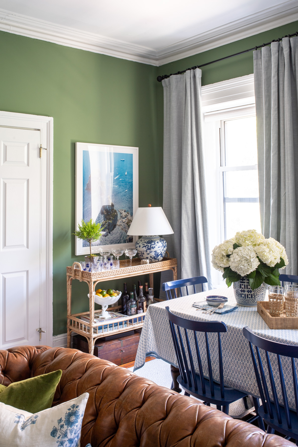 Stacie Flinner x NY Apartment Tour Living Room-20.jpg