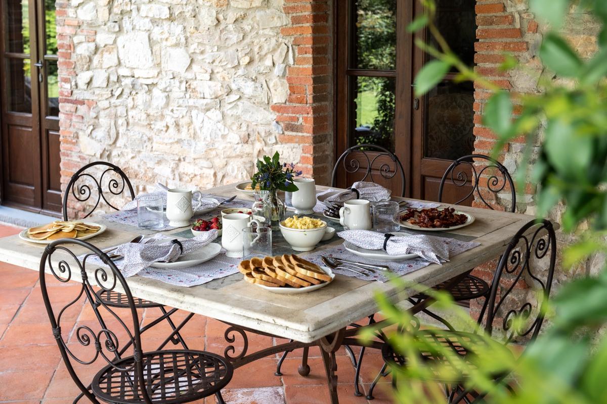 Stacie Flinner x Cuvee Tuscan Farmhouse Tuscany Italy Guide-30.jpg