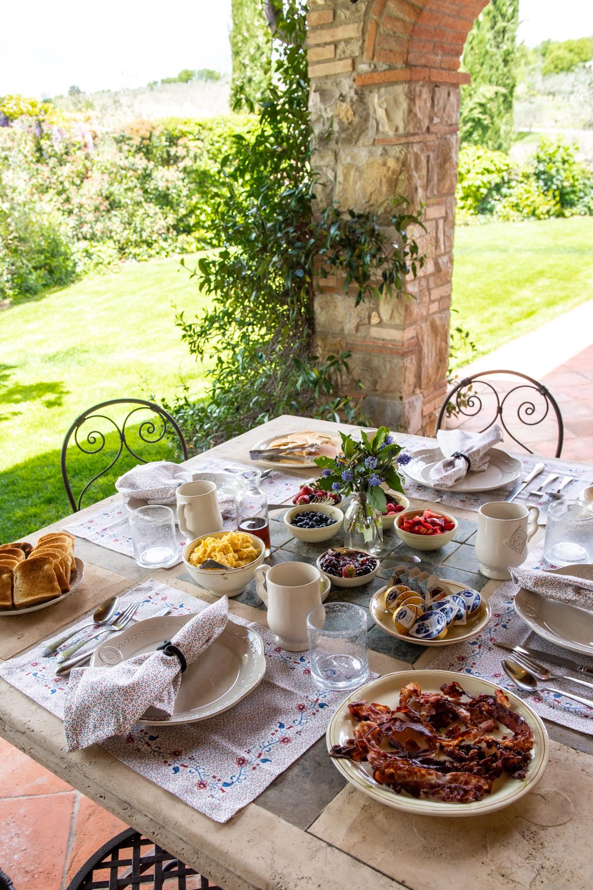 Stacie Flinner x Cuvee Tuscan Farmhouse Villa Tuscany Italy Guide-3.jpg